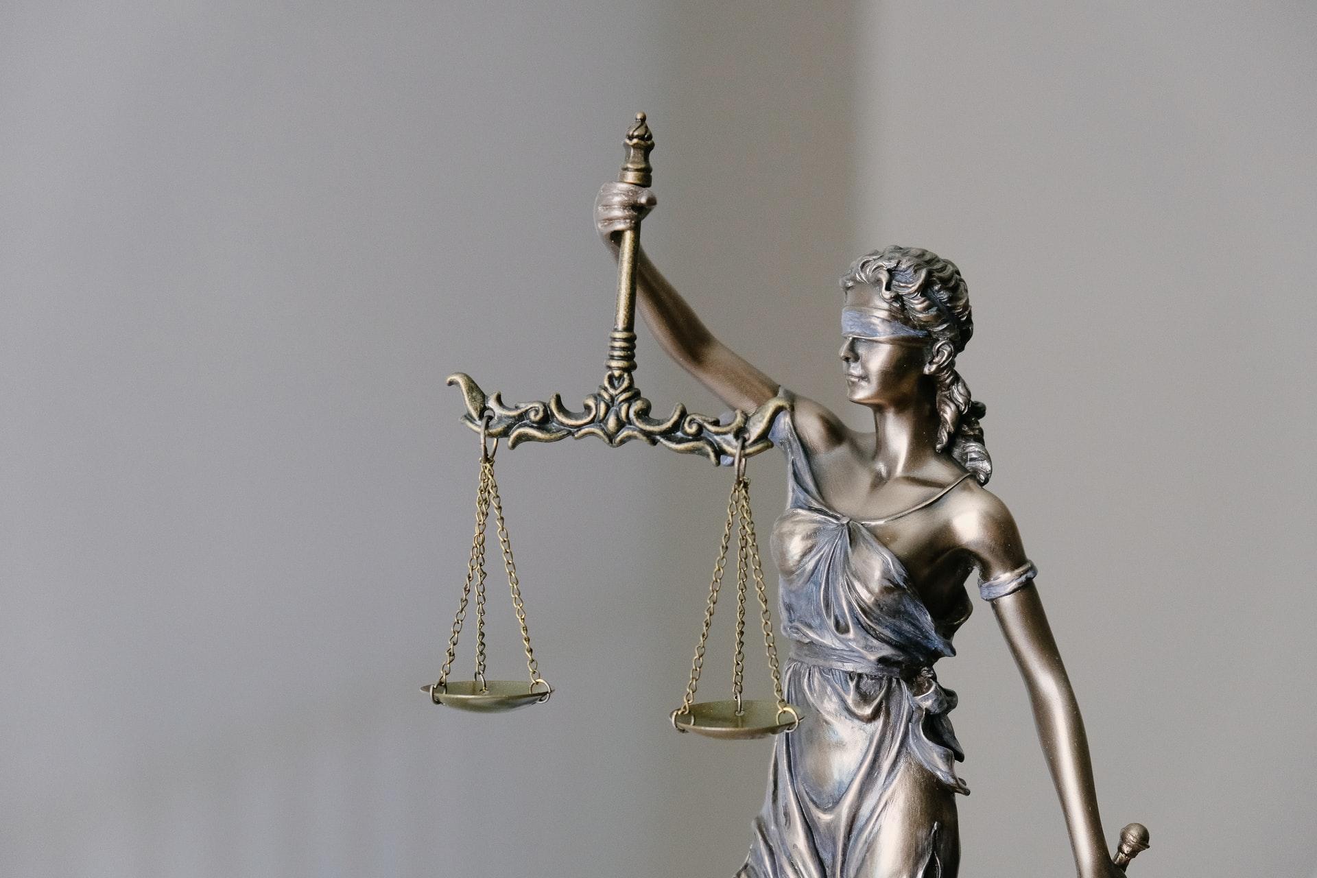 корпоративное право услуги