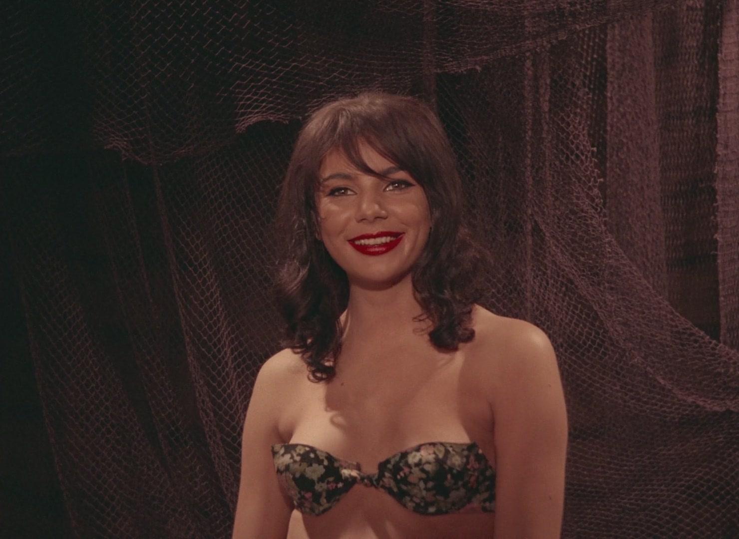 Marianne Mardi - Sensuela 1973 (WEB-DL 1080p)[(019765)13-35-57].JPG