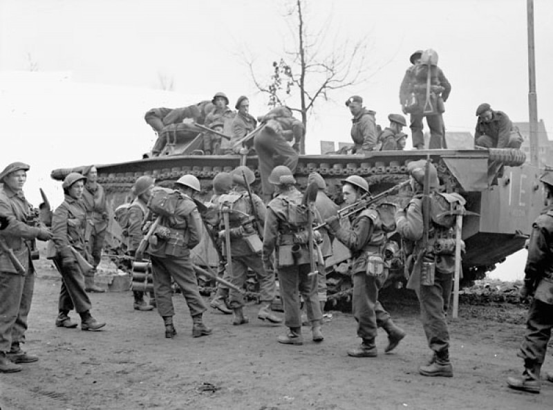 Alligator--North-Shore-Regiment--Op-Veritable-near-Nijmegen--NE--8-Feb-1945---LAC-MIKAN-3239986.jpg